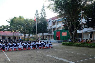 Trường THPT Krông Ana ký cam kết HS không chế tạo, sản xuất, mua bán, tàng trữ, vận chuyển, sử dụng trái phép vũ khí, vật liệu nổ và pháo và tổng kết cuộc thi tìm hiểu BLHS 2015 cấp trường