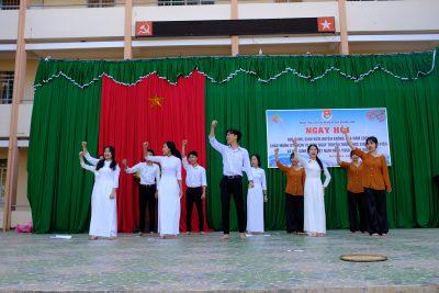 Trường THPT Krông Ana tổ chức Lễ kỷ niệm 70 năm Ngày truyền thống HSSV và Hội Sinh viên Việt Nam