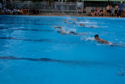 HS Trường THPT Krông Ana tham gia giải bơi lội, làm CMND và cắt tóc miễn phí